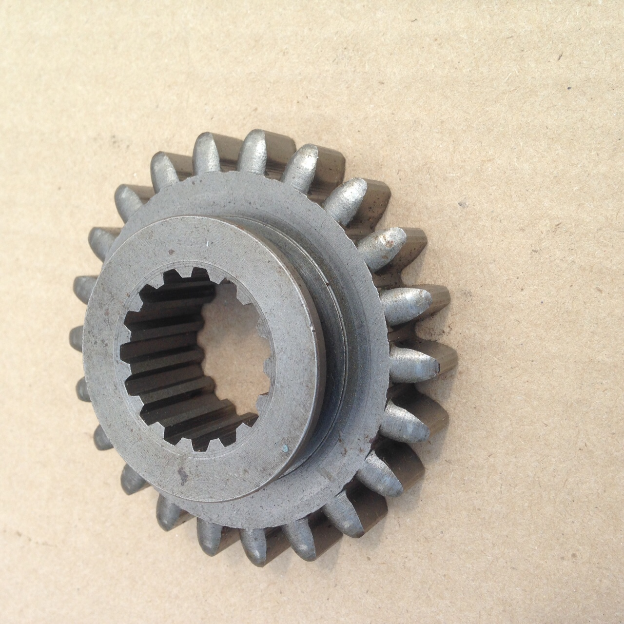 194190-26630 Gear YM1500 ( Used ) 22 Teeth.