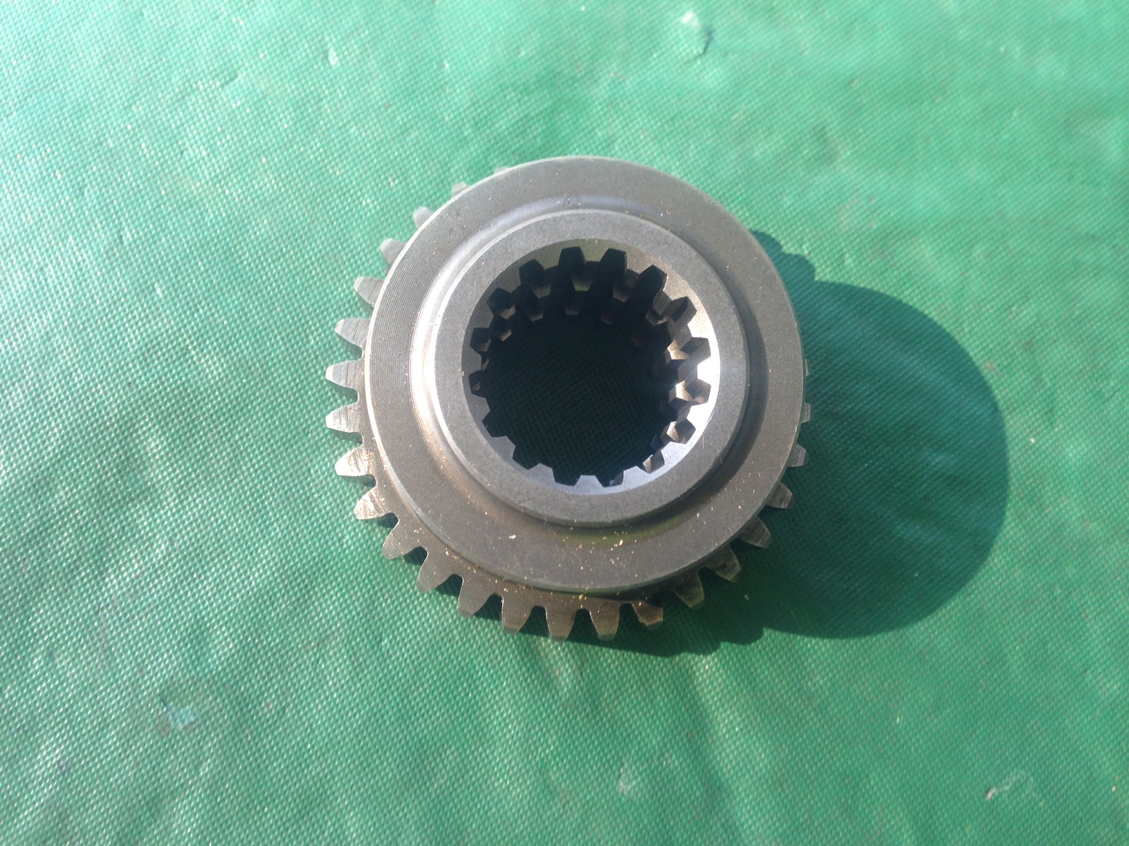 194421-28220 Front Drive Gear YM1601D,1610D, ( See Description )