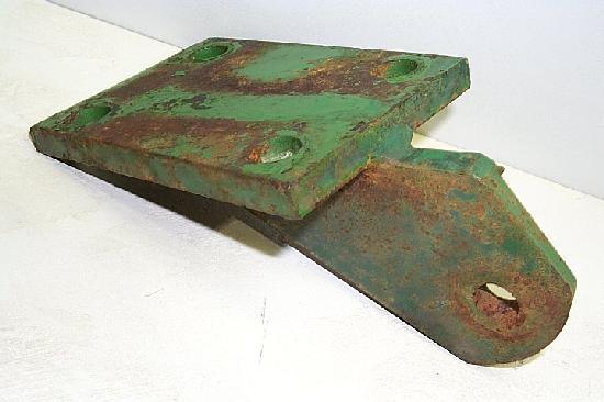 Sway Chain Bracket Left Side ( Used ) JD1050 CH13436