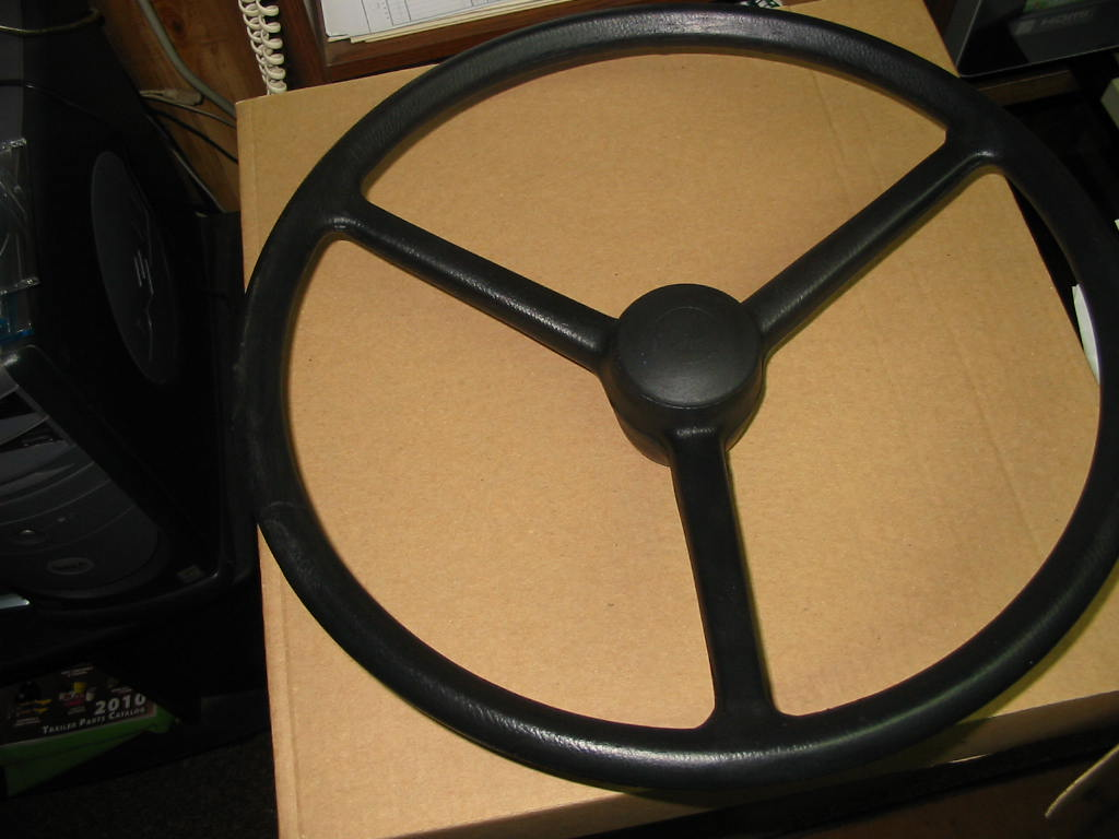 SW-150 Steering Wheel W/Cap, Keyed, 650,750,850,950,1050