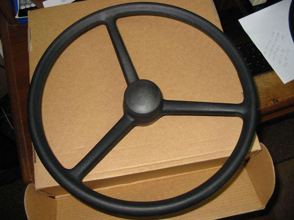 SW-440 Steering Wheel W/Cap, Coarse Spline,