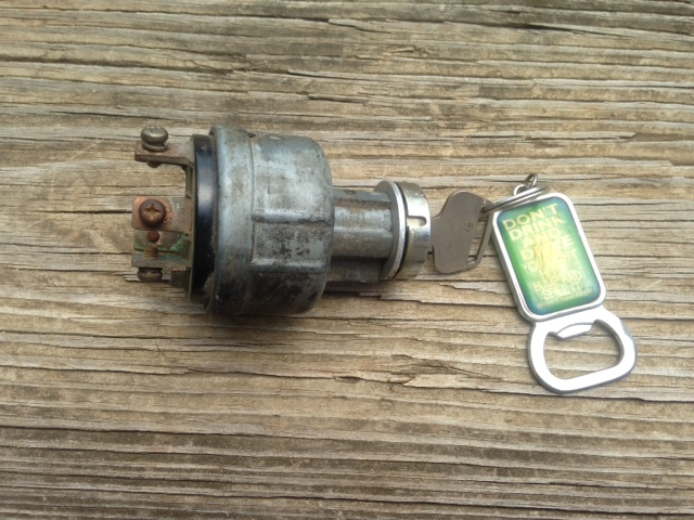 Key Switch ( Used ) JD750,850,950,1050,1250,1450,1650.